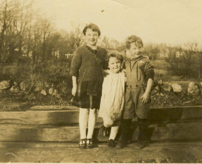 01-24 Bessie, Bill, Marion Garfield